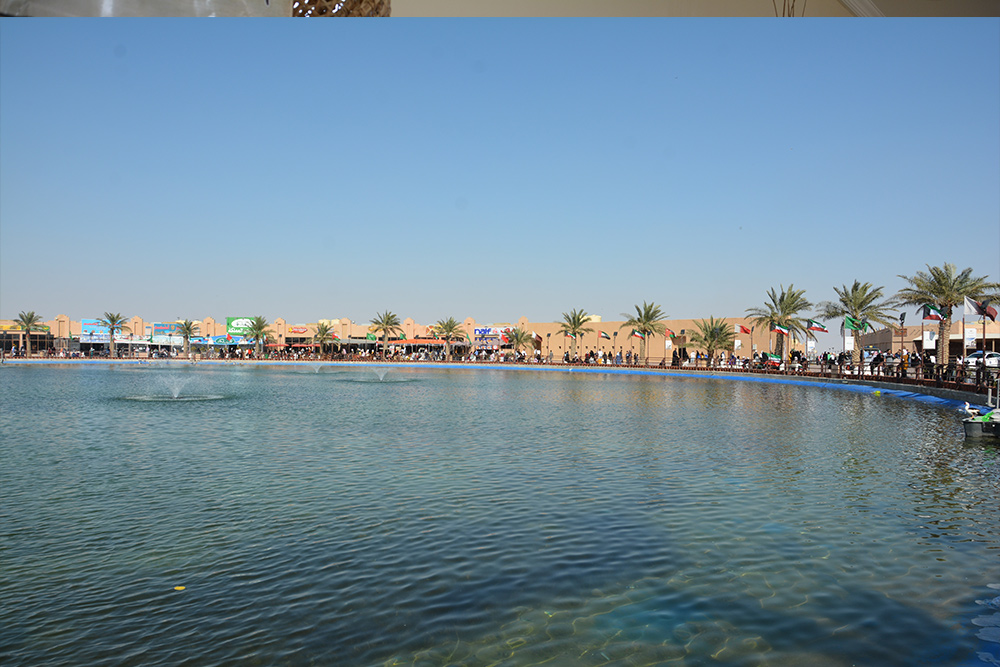 البحيرة في قرية الموروث التراثي في الكويت